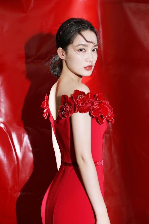 【贵州珍酒】李沁感叹春晚严格 希望给观众们奉献一场完美演出