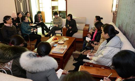 河南省政协委员刘素岩建议:设立妇女儿童维权特困救助专项基金