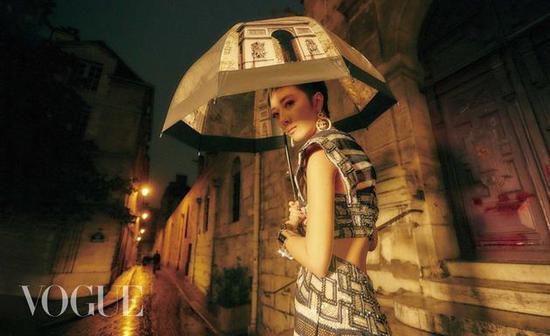 桂纶镁拍摄杂志
