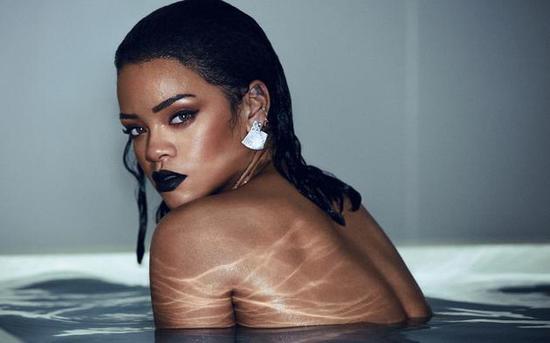 福布斯将蕾哈娜(Rihanna)评为了世界上目前最富有的女歌手
