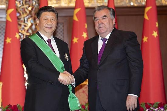 Xi receives Crown Order from Tajik President Rahmon