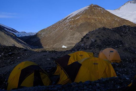 Transition camp connects base camp and advance camp on Mount Qomolangma