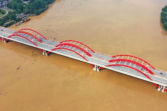 Flood peak of Liujiang River arrives in Liuzhou