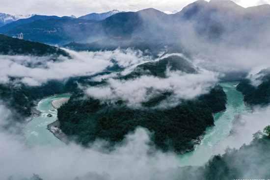 In pics: morning fog floating above Yarlung Zangbo River in Tibet