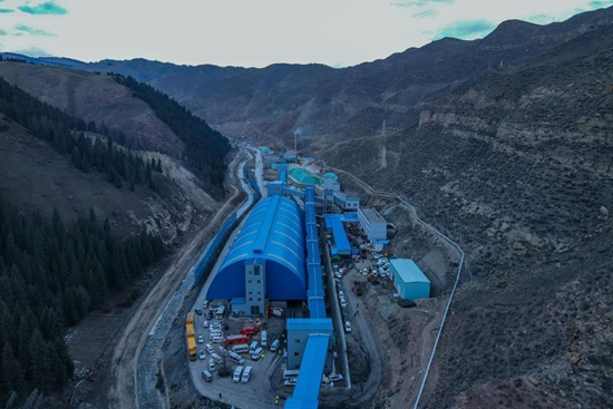 8 rescued, 21 trapped in coal mine accident in Xinjiang