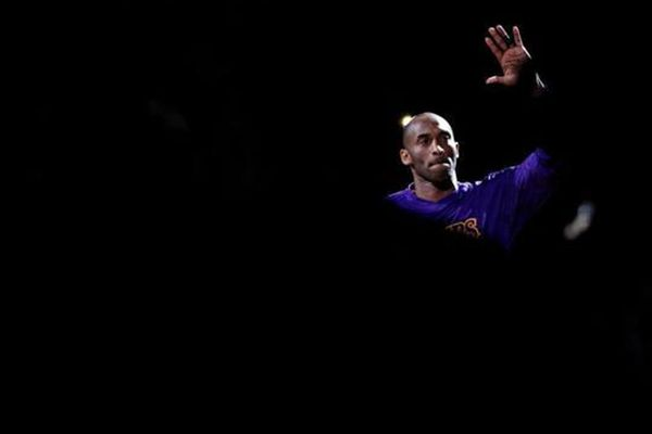 Kobe Bryant says farewell after 20 years with the LA Lakers
