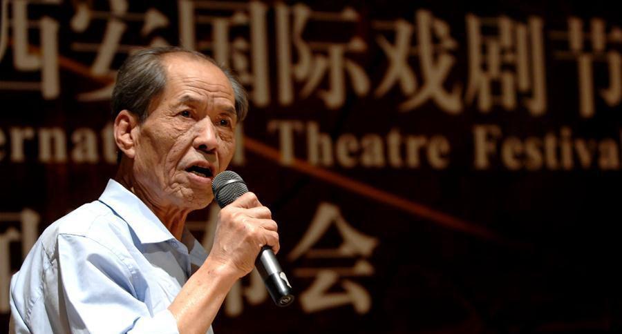 Chinese writer Chen Zhongshi dies at 73