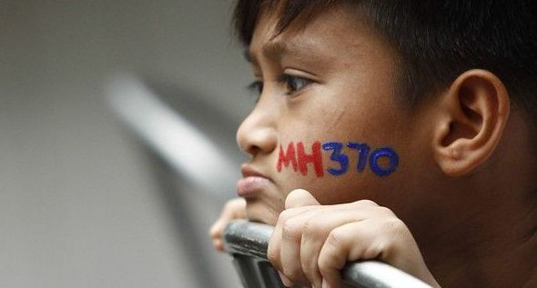 Australia to study three new pieces of debris for link to missing MH370