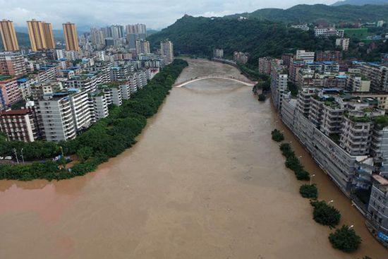 Torrential rain hits Qijiang District of Chongqing