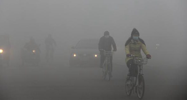 Smog makes 70% of Chinese unhappy, over half stay at home: report
