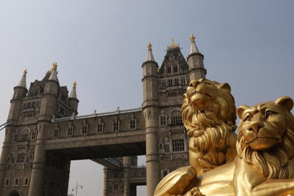 Suzhou builds replica of London's iconic Tower Bridge