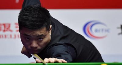 Ding Junhui, Judd Trump win at World Snooker China Open