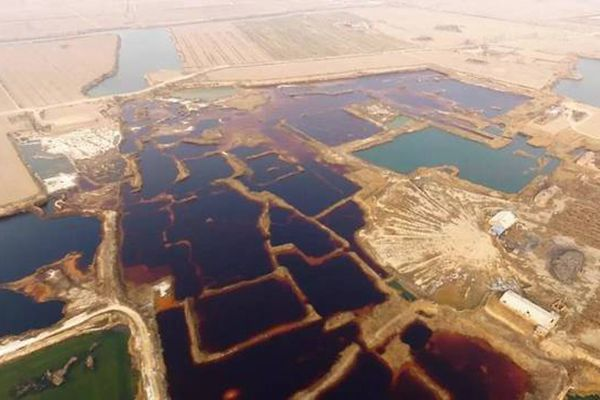 Giant pools of industrial sewage found in Hebei and Tianjin