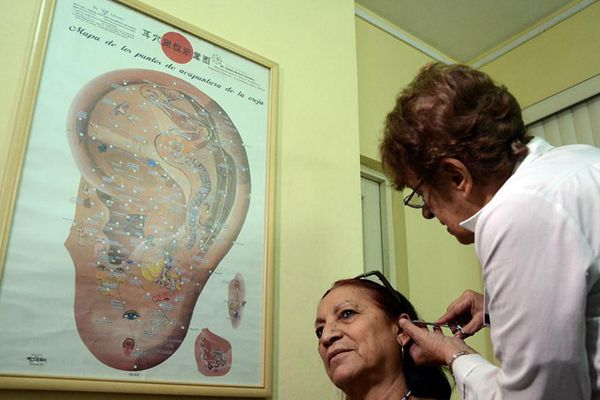 Feature: Expanded use of traditional Chinese medicine in Cuba benefits more
