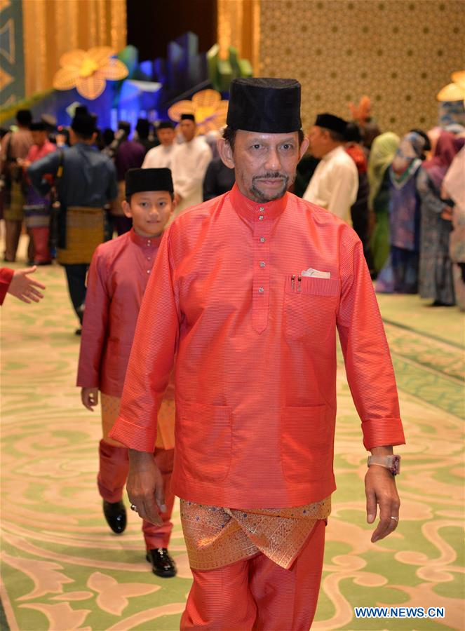 The Sultan of Brunei Darussalam Haji Hassanal Bolkiah attends the celebration of the annual Muslim festival of Hari Raya Aidilfitri in Bandar Seri Begawan, capital of Brunei, June 26, 2017. The Sultan of Brunei Darussalam Haji Hassanal Bolkiah and members of the royal family celebrated the annual Muslim festival of Hari Raya Aidilfitri with foreign delegates on Monday. (Xinhua/Jeffrey Wong)