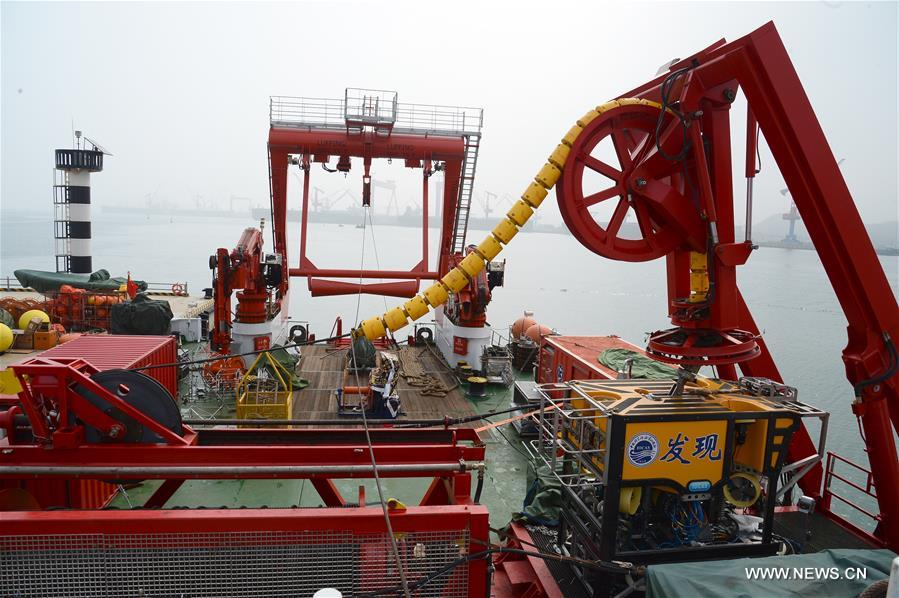 Photo taken on July 10, 2017 shows scientific detection equipments on the afterdeck of the comprehensive research vessel, the Kexue (Science), in Qingdao, east China's Shandong Province. The 99.6-meter-long and 17.8-meter-wide ship carrying scientific detection equipment domestically developed by China set off here Monday. (Xinhua/Zhang Xudong)