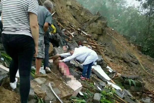 Landslide kills 5 in SW China