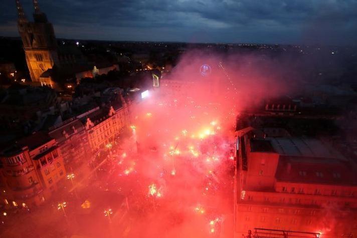 Croatia given heroes' welcome in Zagreb