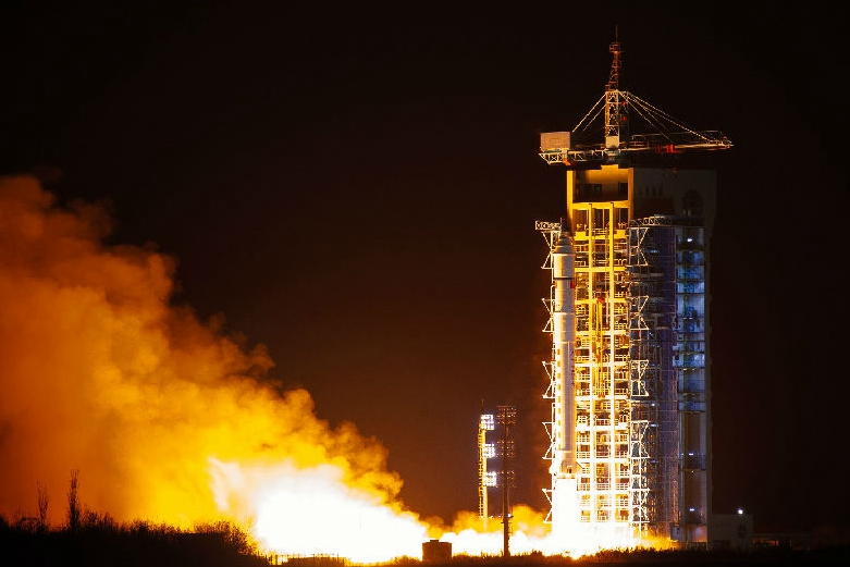 China sends 5 satellites into orbit via single rocket