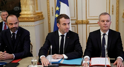 French president hikes minimum wage, promises tax relief to head off