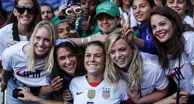 U.S. move into last 16 of FIFA Women's World Cup