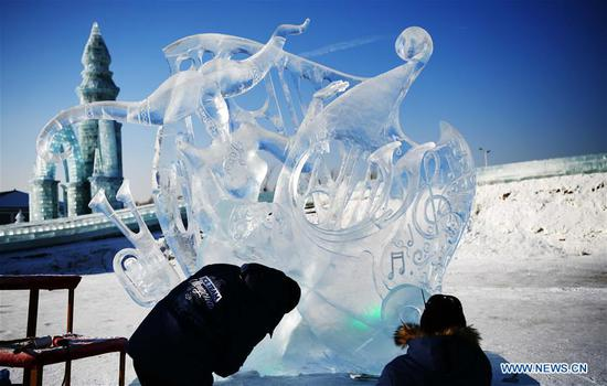 Photo taken on Jan. 8, 2019 shows an ice sculpture made by a team from China at the 33rd Harbin international ice sculpture contest in Harbin, northeast China's Heilongjiang Province. The contest concluded on Tuesday. (Xinhua/Wang Song)