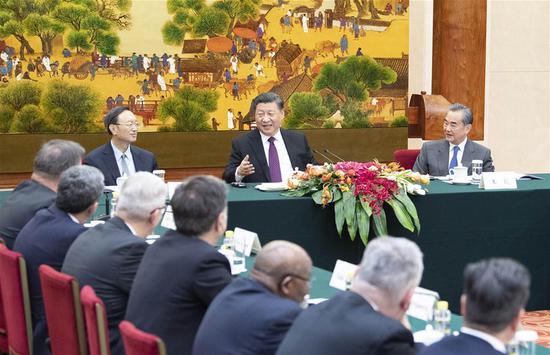 习近平会见出席帝国泉国际论坛的外国人士,呼吁维护多边主义 2