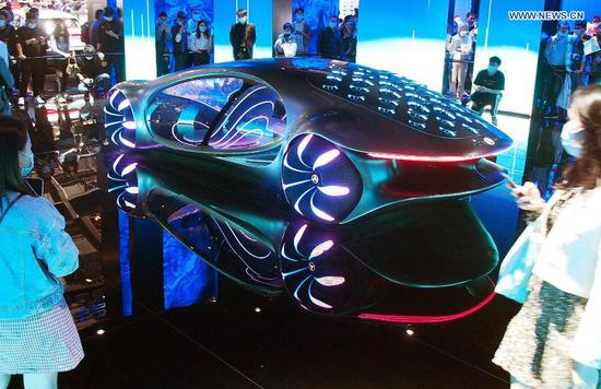 A Mercedes Benz new energy concept vehicle is displayed at the 19th International Automobile Industry Exhibition (Auto Shanghai 2021) in Shanghai, east China, April 28, 2021. The 19th Shanghai International Automobile Industry Exhibition (Auto Shanghai 2021) concluded on Wednesday. The 10-day auto show, which kicked off on April 19, attracted roughly 810,000 visitors and more than 1,000 companies in the auto industry. A total of 1,310 vehicle models were displayed at the show, according to the organizer. Auto Shanghai 2021 is the first major auto show globally to run normally amid the coronavirus pandemic this year. (Xinhua/Chen Fei)