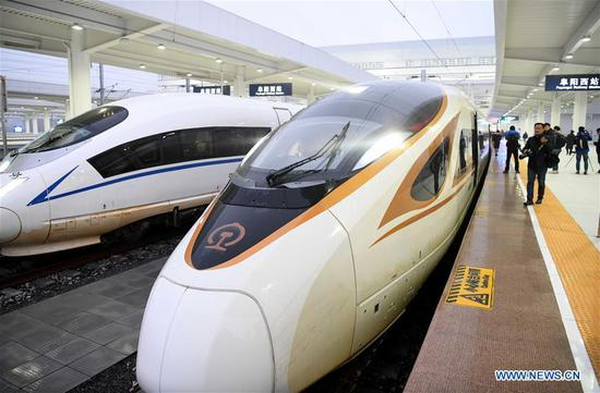 Photo taken on Dec. 1, 2019 shows the first high-speed train G7787 running from Fuyangxi Railway Station to Shanghai Hongqiao Railway Station in Fuyang, east China's Anhui Province. High-speed railway line linking Shangqiu and Hefei, as well as a section linking Zhengzhou and Fuyang, was put into operation on Sunday. (Xinhua/Liu Junxi)