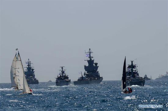 Israeli navy ships participate in the celebrations marking Israel's 70th Independence Day along the coast of Israel, on April 19, 2018. (Xinhua/Tomer Neuberg-JINI)