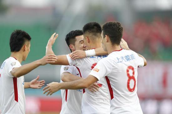 Shanghai SIPG smashes Beijing Renhe 5-1 in CSL