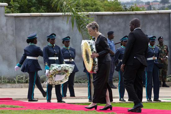 Nane Annan (2nd R, front), widow of former United Nations Secretary-General Kofi Annan, lays a wreath during Annan's state funeral in Accra, Ghana, on Sept. 13, 2018. A number of African and world leaders joined Ghanaian President Nana Akufo-Addo here on Thursday to bid farewell to former United Nations Secretary-General Kofi Annan, who passed away in Switzerland on Aug. 18. (Xinhua/Fred Bonsu)