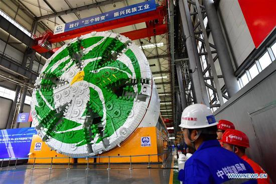 China's largest slurry tunnel boring machine (TBM) rolls off the production line in Zhengzhou, capital of central China's Henan Province, Sept. 29, 2018. The machine has a diameter of 15.8 meters, making it the largest slurry TBM designed in China. (Xinhua/Feng Dapeng)
