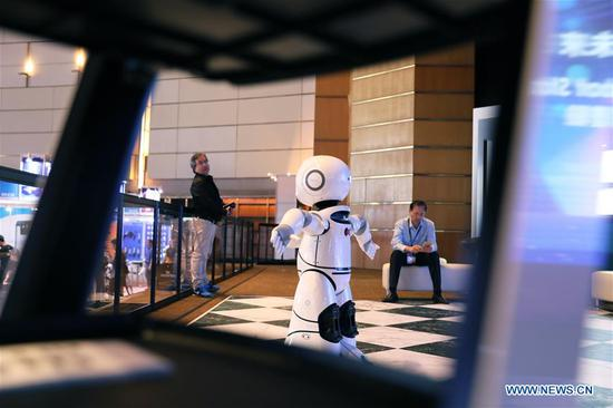 A robot gives performance during the 38th Hong Kong Electronics Fair (Autumn Edition) and the 22nd electronicAsia at the Hong Kong Convention and Exhibition Center in south China's Hong Kong, on Oct. 13, 2018. The two events attracted over 4,300 exhibitors from 25 countries and regions. (Xinhua/Wu Xiaochu)