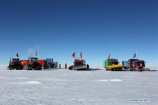 China's 35th Antarctic expedition team camps at a site about 1,100 km away from China's Zhongshan Station, Jan. 2, 2019. The expedition team Wednesday entered the area of the Dome Argus (Dome A), the peak of Antarctica's inland icecap. (Xinhua/Liu Shiping)