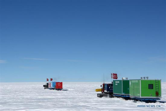 Vehicles of China's 35th Antarctic expedition team run on Antarctica's inland icecap, Jan. 2, 2019. The expedition team Wednesday entered the area of the Dome Argus (Dome A), the peak of Antarctica's inland icecap. (Xinhua/Liu Shiping)