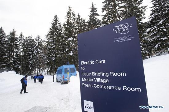 Security personel patrol near Davos Congress Center, which will host the upcoming 49th Annual Meeting of the World Economic Forum (WEF), in Davos, Switzerland, Jan. 21, 2019. The WEF Annual Meeting will kick off in Davos on Tuesday. (Xinhua/Xu Jinquan)
