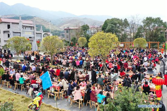 Aerial photo taken on Feb. 3, 2019 shows a banquet attended by over a thousand people for the upcoming Spring Festival at Hutang Village of Lianhua County in Pingxiang, east China's Jiangxi Province. The Spring Festival, or the Chinese Lunar New Year, falls on Feb. 5 this year. (Xinhua/Li Guidong)