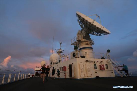 China's spacecraft tracking ship Yuanwang-3 sails in the waters near the equator on June 18, 2019. Yuanwang-3 has crossed the equator at 23:09 Tuesday Beijing Time (1509 GMT Tuesday) and continued its sail for the southern Pacific Ocean for upcoming satellite maritime monitoring missions. (Xinhua/Li Yuze)