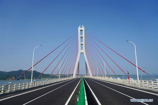 Photo taken on June 27, 2019 shows the Poyang Lake No. 2 Bridge in east China's Jiangxi Province. The 5.589-km Poyang Lake No. 2 Bridge, which links Duobao Township of Duchang County and Hualin Township of Lushan City in Jiangxi Province, opened to the public traffic on Friday. (Xinhua/Zhou Mi)