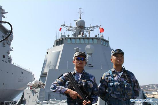 Soldiers of Chinese missile destroyer Xi'an stand on the deck at Toulon port, in southern France, July 1, 2019. The 32nd Chinese naval escort fleet missile destroyer Xi'an arrived here Monday for a five-day visit. (Xinhua/Yang Yimiao)
