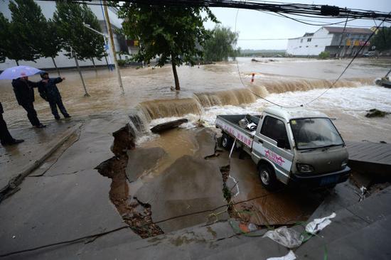 Typhoon Lekima brings heavy rains to Jinan, east China's Shandong province, on August 13, 2019. [Photo: IC]