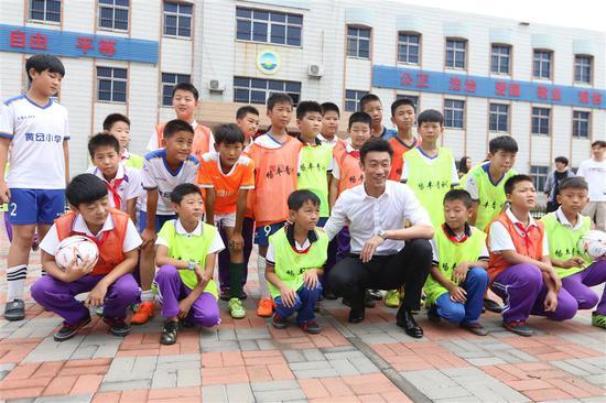 中国有更多的运动员从事体育慈善工作
