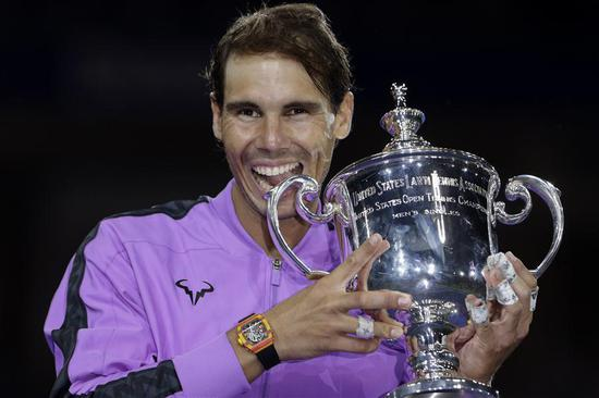 Rafael Nadal of Spain holds the trophy during the awarding ceremony after the men's singles final match between Rafael Nadal of Spain and Daniil Medvedev of Russia at the 2019 US Open in New York, the United States, Sept. 8, 2019. (Xinhua/Li Muzi)