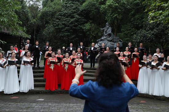 The elderly chorus to celebrate Chongyang Festival in Deyang, southwest China's Sichuan Province, Oct. 7, 2019. A series of events were held on Monday to celebrate Chongyang Festival, which falls on the ninth day of the ninth Chinese lunar month, a day to pay respect to seniors in China. (Xinhua/Jiang Hongjing)