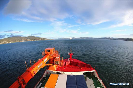 China's polar icebreaker Xuelong 2, or Snow Dragon 2, prepares to dock in the port of Hobart, Australia, Nov. 4, 2019. After a 20-day voyage, the Chinese icebreaker on China's 36th Antarctic research expedition docked in Australia's port of Hobart on Monday. This is the first time that it has berthed in a foreign port since its maiden voyage started. (Xinhua/Liu Shiping)