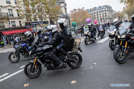 法国全国罢工挑战马克龙养老金改革 4