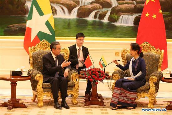 中缅承诺加强沟通、高层交往