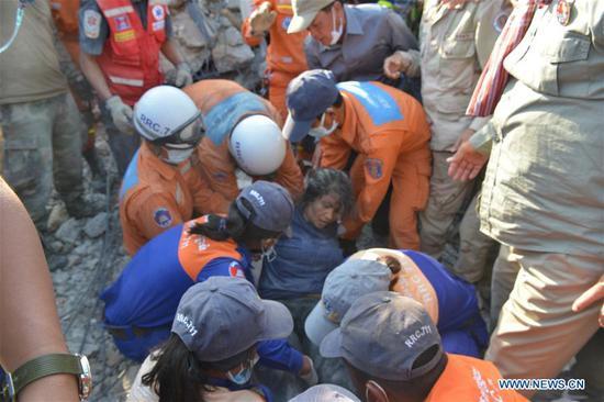 柬埔寨建筑倒塌36人死亡43小时救援结束