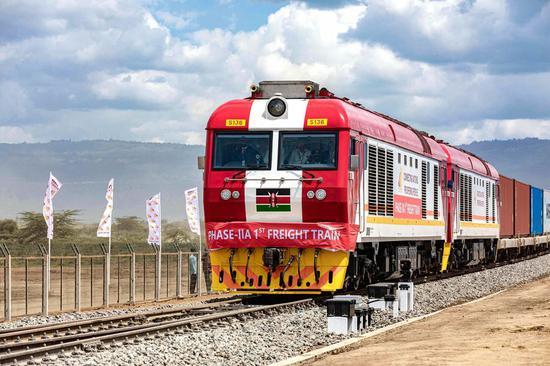 The first freight train of the Nairobi-Naivasha Standard Gauge Railway (SGR) arrives at the Naivasha Inland Container Depot in Kenya, on Dec. 17, 2019. (Xinhua/Wang Teng)
